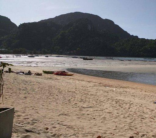 חוף לבן יפיפה - פלוטילה בתאילנד